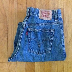 1990s LEVIS high waisted relaxed fit mom jeans